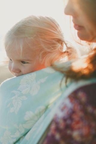 можно ли носить ребенка на руках
